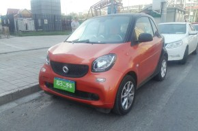 SmartFortwo Coupe2015款 Fortwo Coupe 1.0 双离合 灵动版(进口)